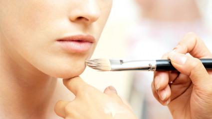 II est temps d'adopter le maquillage bio