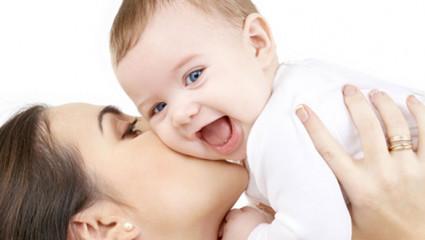 Faut-il réveiller bébépour allaiter ?