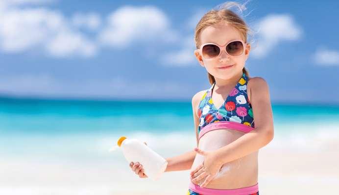 Crèmes solaires: une protection discutable